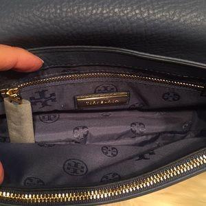 d34b3679582ee Tory Burch Bags - Tory Burch Harper Cross Wallis Blue Bag